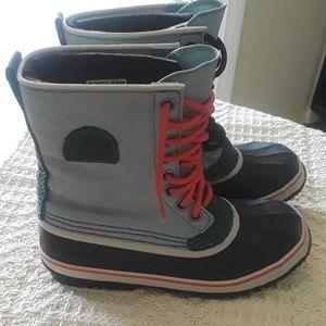 NWOT Sorel Waterproof Boots Size 8.5